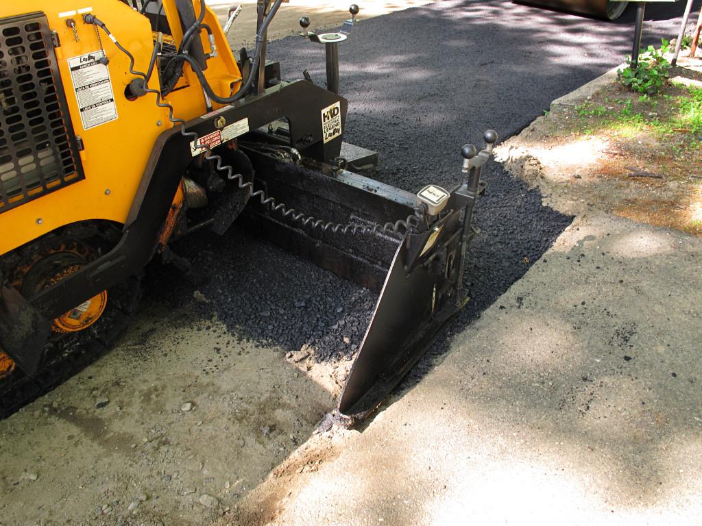 asphalt driveway houston
